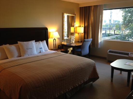 DoubleTree Club by Hilton Orange County Airport: Updated decor