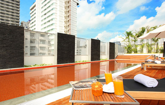 In Residence Bangkok Sukhumvit: Rooftop Swimming Pool -  In Residence - Suites Bangkok Sukhumvit