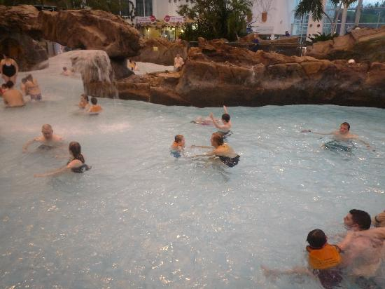 Pool picture of center parcs whinfell forest penrith - Lake district campsites with swimming pool ...