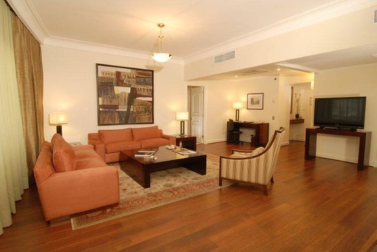 Radisson Plaza Santiago Hotel: Presidential Suite (living room)