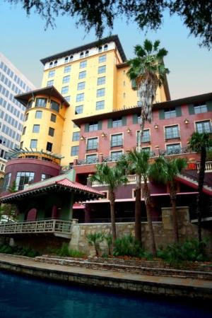 Hotel Valencia Riverwalk: Exterior View