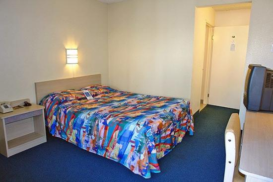 Motel 6 Scottsdale : Guest Room (Single)