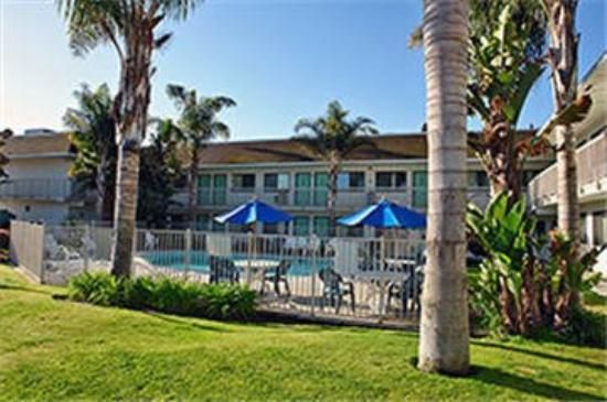 Motel 6 Pismo Beach: Outdoor Pool