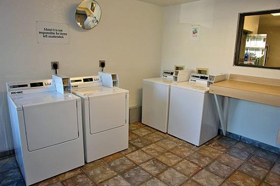 Motel 6 Pompano Beach: MLaundry