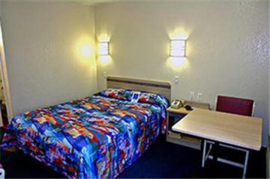 Motel 6 Lantana