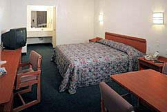 Motel 6 Albuquerque West - Coors Road: Guest Room