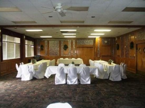 Regency Inn and Conference Center: Ban Room