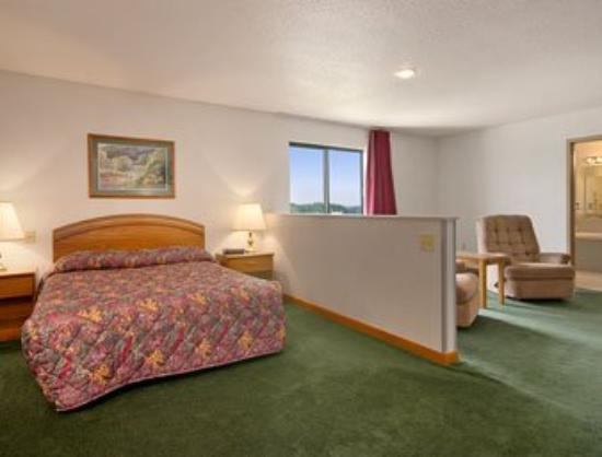 Maquoketa Inn and Suites: Jacuzzi Suite