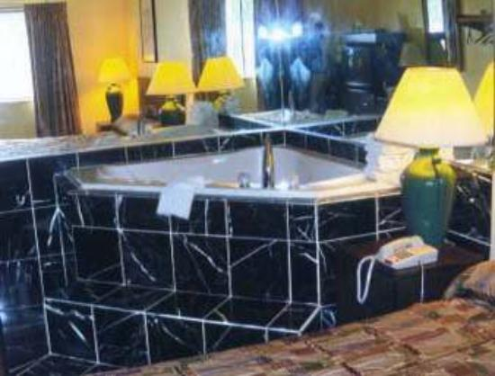 HD wallpapers hotels with jacuzzi in room atlanta