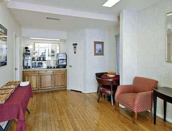 Photo of Americas Best Value Inn - Downtown / Midtown Atlanta