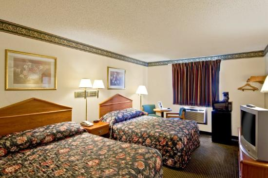 Econo Lodge - Akron: Double Queen