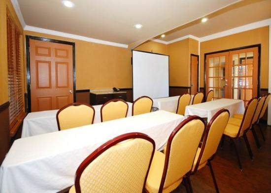 Quality Inn & Suites Lexington: Meeting Room