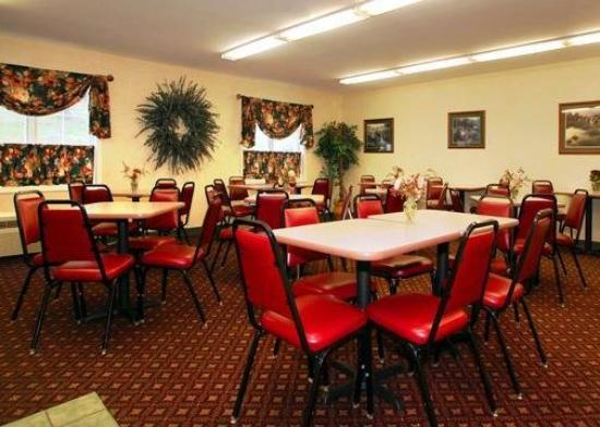 Quality Inn Lake George: Deluxe continental breakfast room