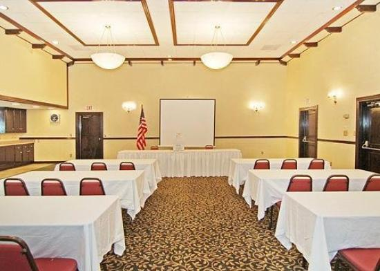 Quality Inn Artesia: Meeting Room