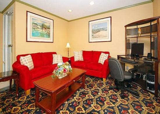 Quality Inn - Homewood: Lobby