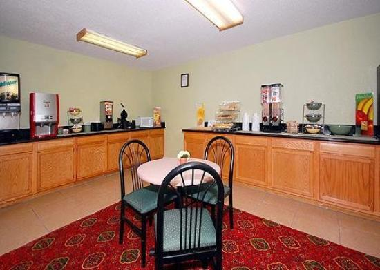 Quality Inn - Homewood: Restaurant