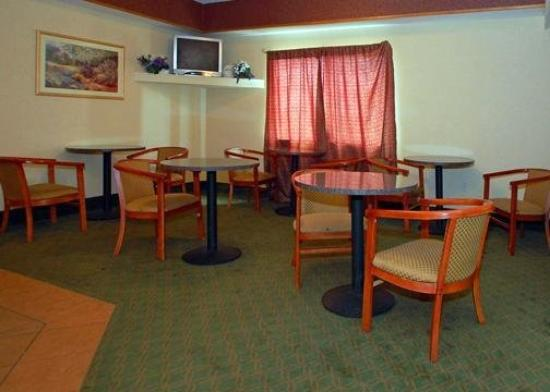 Quality Inn & Suites Batavia-Darien Lake: Restaurant