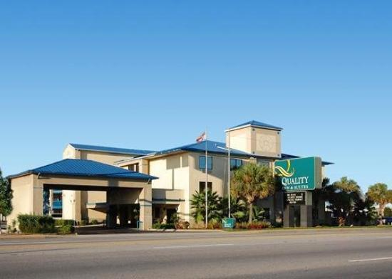 Quality Inn &amp; Suites Fort Jackson Maingate: Exterior