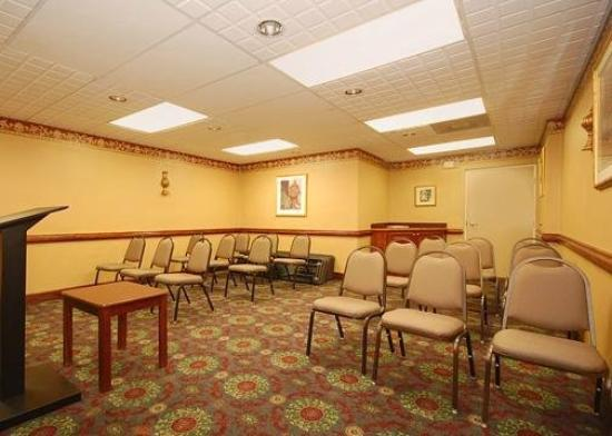 Quality Inn &amp; Suites Fort Jackson Maingate: Meeting Room