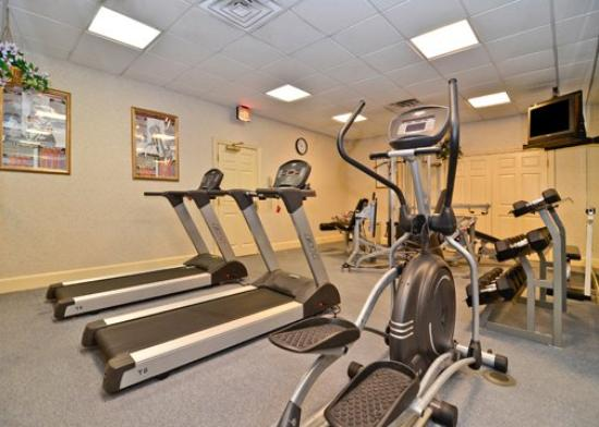 Quality Inn Camp Springs-Andrews AFB: Exercise room