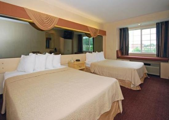 Quality Inn & Suites Mount Juliet: Guest Room