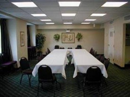 Quality Inn & Suites Mount Juliet: Meeting Room