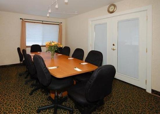 Quality Inn & Suites Goldendale: Meeting Room