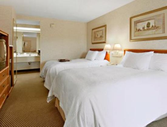 Ramada Pueblo: Standard Two Double Bed Room
