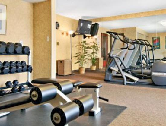 Ramada Pueblo: Fitness Center