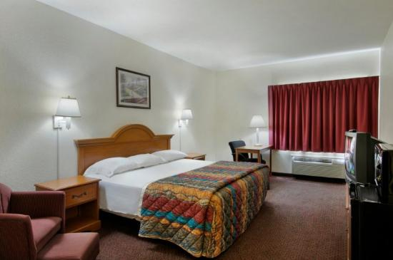 Red Roof Inn &amp; Suites Ocala: Guestroom amenities