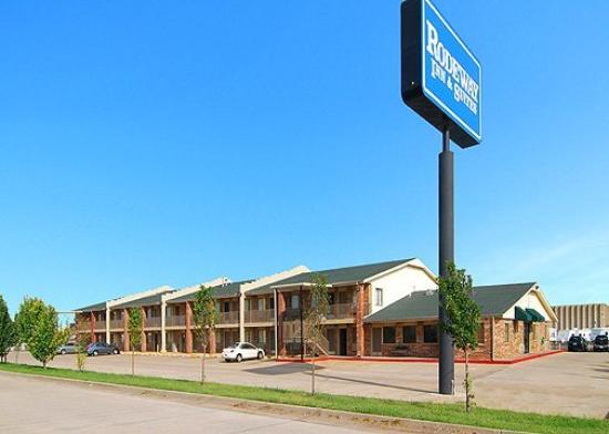 Photo of Rodeway Inn & Suites Oklahoma City
