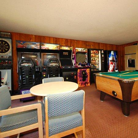 Diamond Hotel Wisconsin Dell Game Room