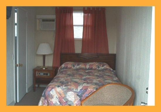 Knights Inn Seaside Heights: Guest room