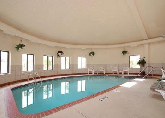 Sleep Inn & Suites Central/I-44: Pool
