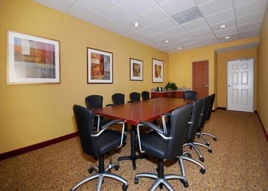 Sleep Inn &amp; Suites: Meeting Room