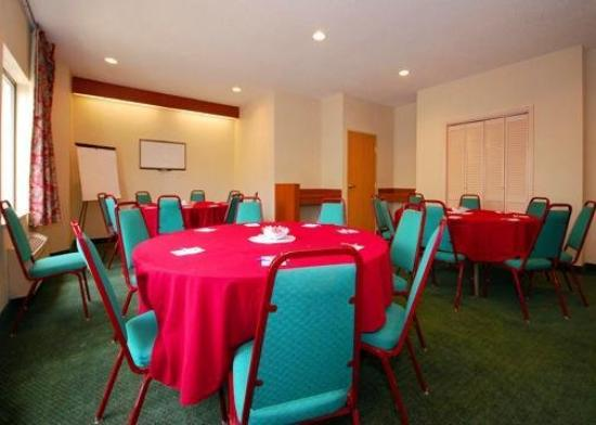 Sleep Inn & Suites Ashtabula: Meeting Room