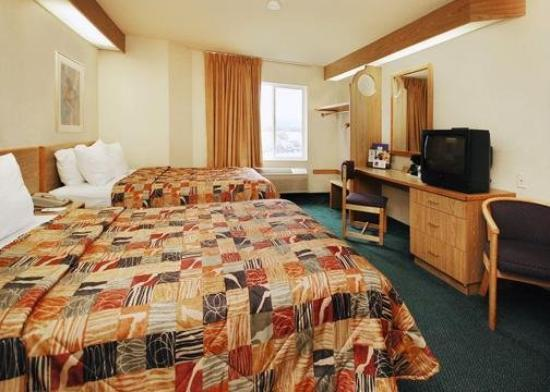 Econo Lodge North Academy: Guest Room