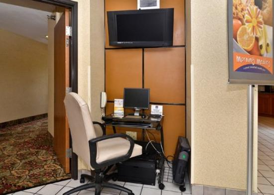 Sleep Inn Naperville: Business Center (OpenTravel Alliance - Business ce