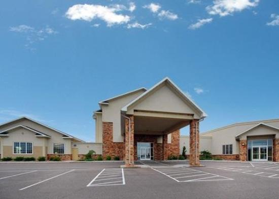 Sleep Inn &amp; Suites Conference Center: Exterior