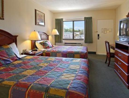 Motel 6 Santa Fe Plaza-Downtown: Standard Two Double Bed Room
