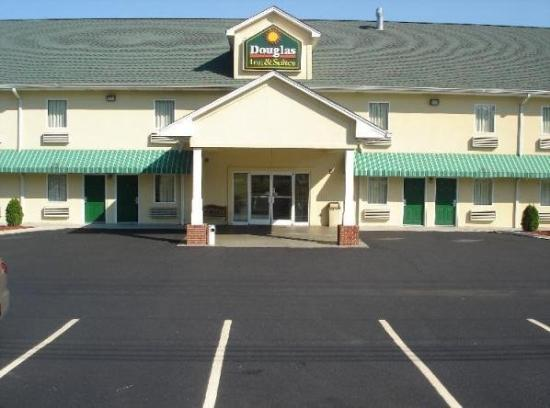Photo of Douglas Inn & Suites Cleveland