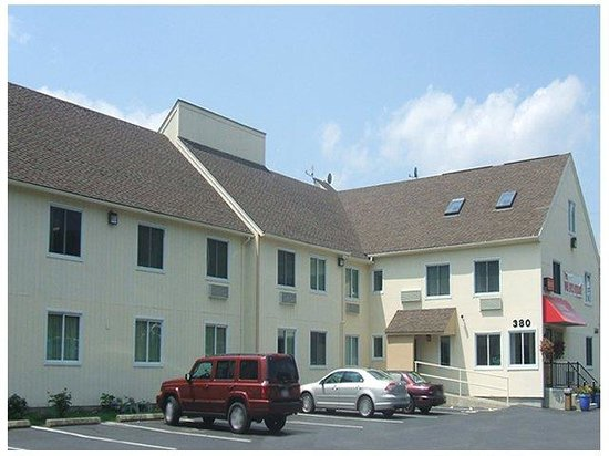 Photo of Red Carpet Inn & Suites New London