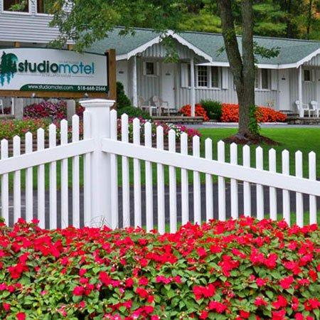 Studio Motel of Lake George: Studio Motel Lake George NYExterior