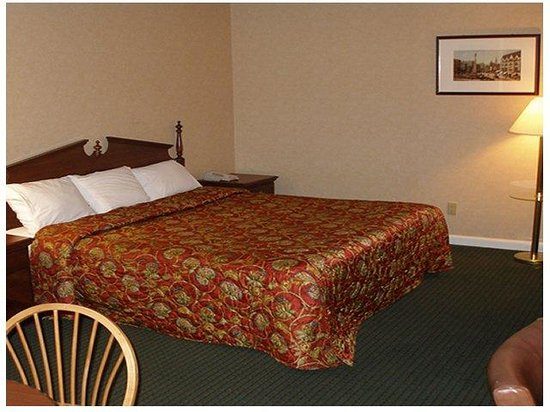Red Carpet Inn & Suites New London: Deluxe Room (OpenTravel Alliance - Guest room)