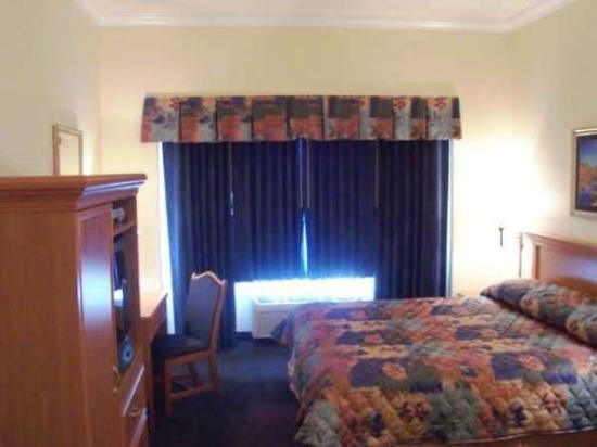 Photo of Gateway Inn and Suites Hotel San Bruno