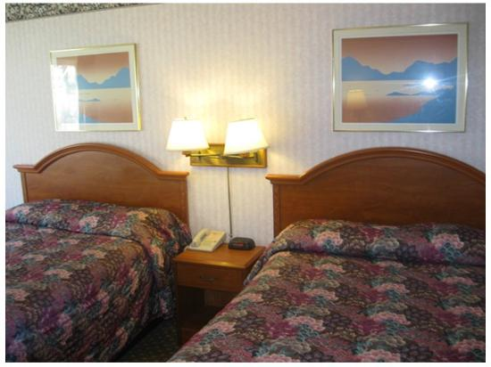 Red Carpet Inn Milford: Standard Room -OpenTravel Alliance - Guest Room-