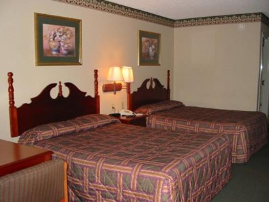 Red Carpet Inn & Suites: Guest Room