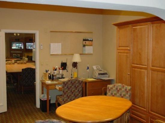 Garden Inn Hotel: privat office adjoining boardroom