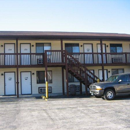 Crestview Inn & Suites