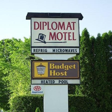 Budget Host Diplomat Motel: Exterior (OpenTravel Alliance - Exterior view)